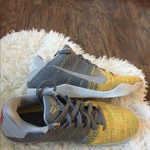 Men's Nike Kobe sneakers size 9.5